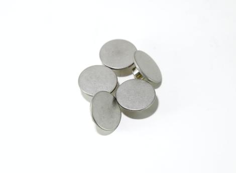 アルミ素材小物のバレル式一貫生産
